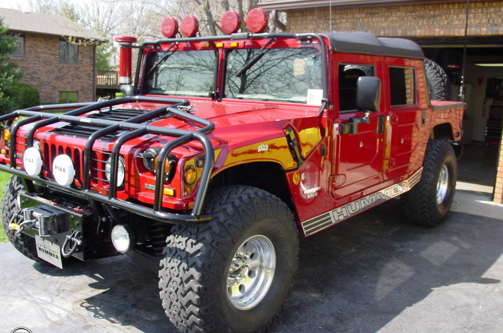 Red Hummer H1