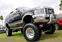 Ford_Excursion_lifted_132595.jpg