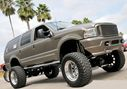 Ford_Excursion_lifted_132596.jpg